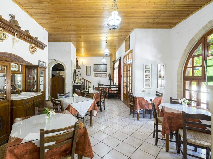 """f8f826395970 """"Loved this inn in the village of Zaros. The family members were so  friendly and helpful. Our room was large with a balcony overlooking the  mountains."""